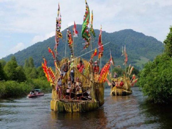 Perahu Tambe, Perahu Tradisional Khas Suku Dayak Taman Kalimantan Barat